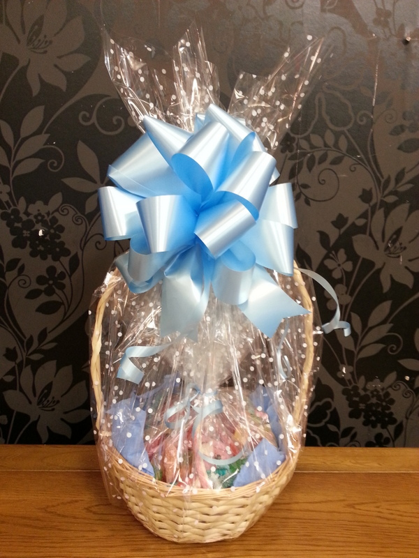 Halal Pick n Mix Sweets Hamper Basket Blue